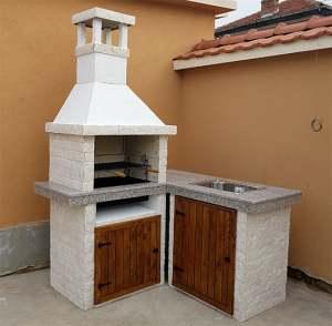 Barbecue glic с плот в ъгъла и мивка